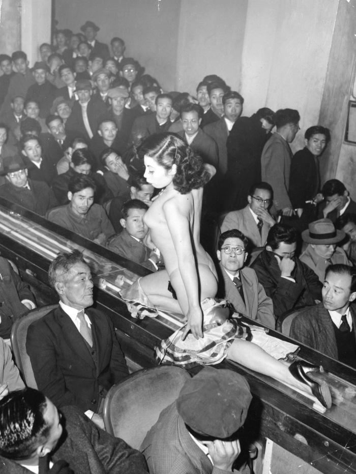 tokyo-stripper-1957