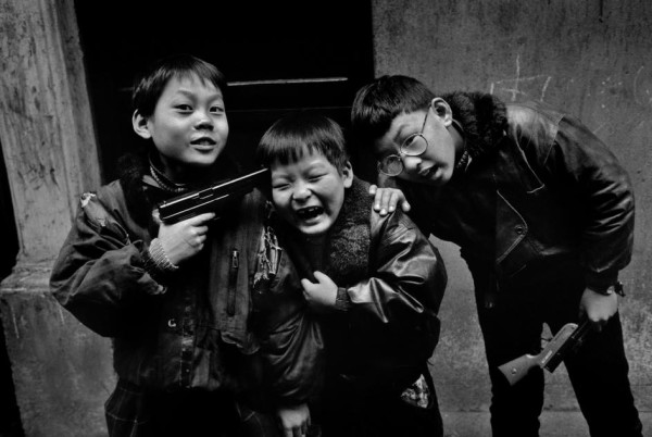 Shanghai-1995.-Credit-Marc-Riboud-e1371044534493